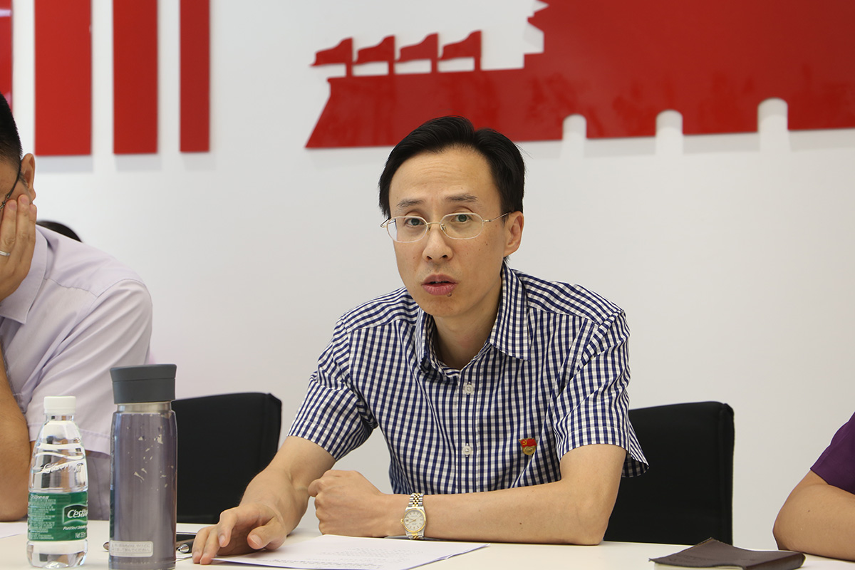资深党员刘锦棠(党组成员副局长)作总结发言